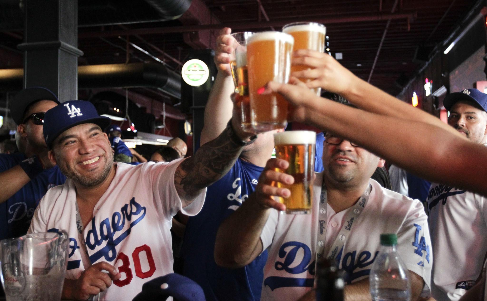 happy baseball fans